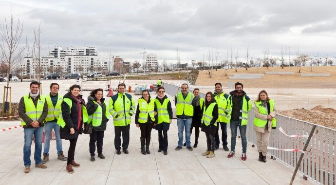 Visita de la Directora General de Zonas Verdes a obras de parques en Valdebebas