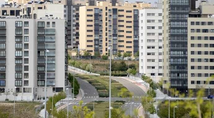 Valdebebas celebra la solución definitiva a las licencias de primera ocupación en Madrid