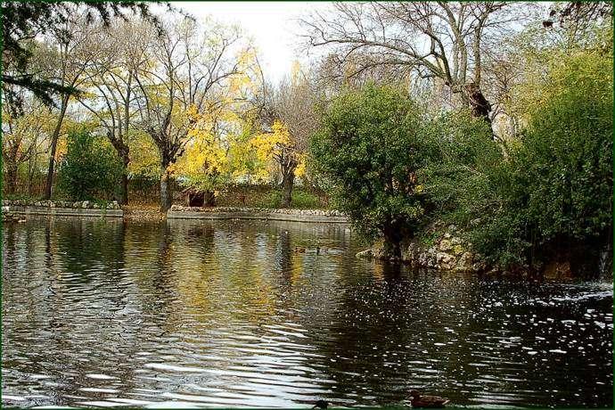 El parque de el capricho un tesoro hist rico a dos pasos for Ciudad jardin valdebebas