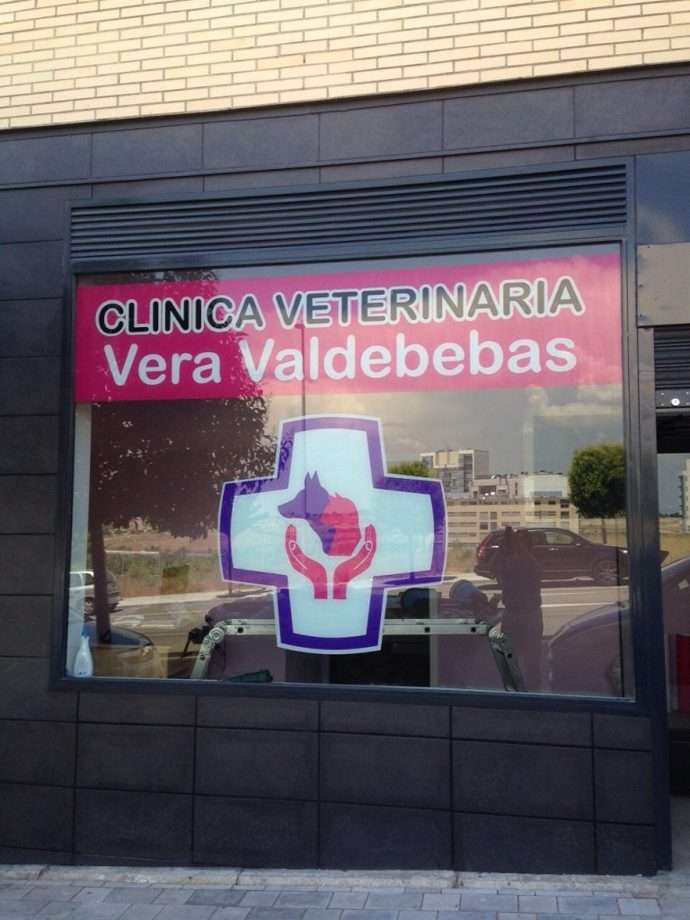La Clínica Veterinaria Vera Valdebebas comienza a dar servicio en nuestro barrio